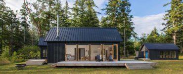 waterfront-modern-cabin-exterior