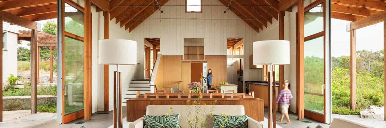 modernized-farmhouse-coastal-retreat-living-room