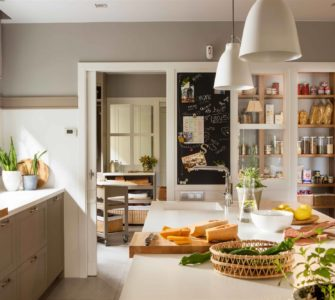 5 Steps To Plan The Perfect Custom Pantry